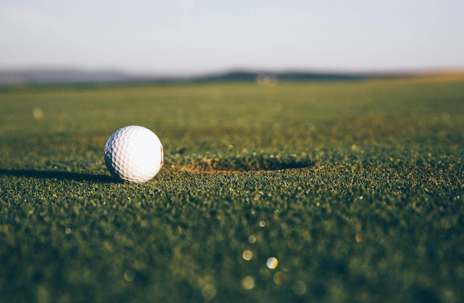 ¿Cómo se juega al golf?: Claves para principiantes.