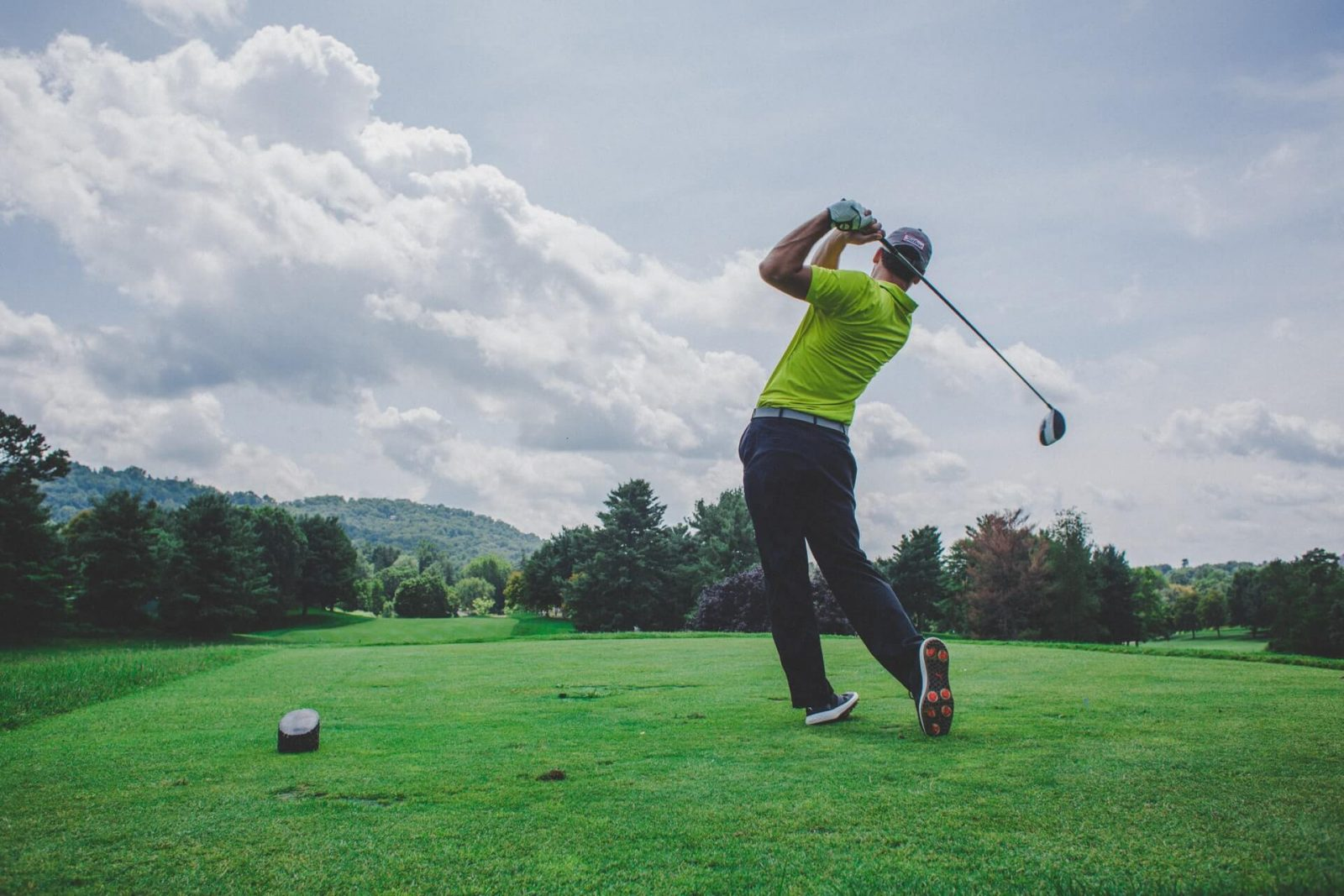 ¿Qué se necesita para empezar a jugar al golf?